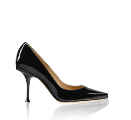 A ladies shoe after applying clipping path service and drop shadow